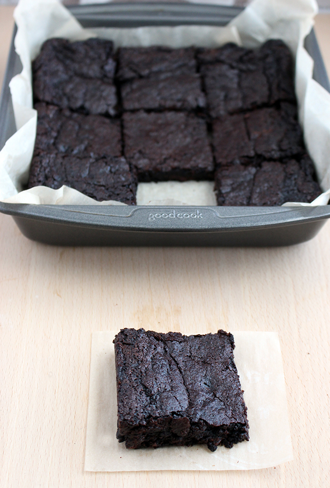 Easy Fudgy Vegan Brownies